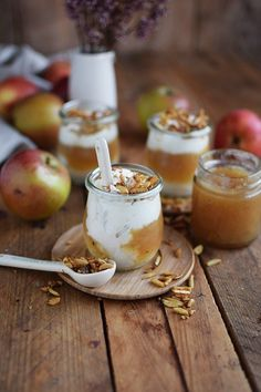 Applesauce with cinnamon cream and caramel almonds ⋆ Crunchy sticks .-Apfelmus mit Zimtcreme und Karamell-Mandeln ⋆ Knusperstübchen applesauce with cinnamon cream and almonds 13 - Apple Recipes, Meat Recipes, Snack Recipes, Dessert Recipes, Snacks, Vegetarian Recipes, Recipes Dinner, Healthy Recipes, 13 Desserts