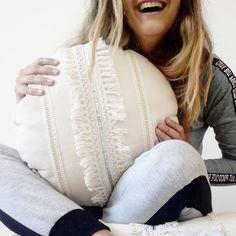 Bed Pillows, Cushions, Macrame, Architecture, Crochet, Instagram, Design, Home Decor, Wine