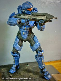 Spartan Thorne comes in a finely detailed  SPARTAN Recruit armor which is the default armor used in the SPARTAN Ops game.  #HALO #HALO4 #Spartan #SpartanThorne #GabrielThorne #Review
