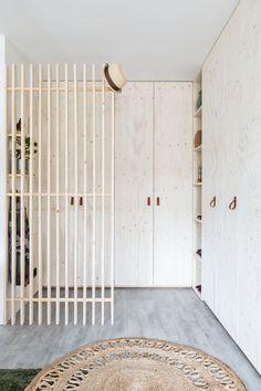 The Best 2019 Interior Design Trends - Interior Design Ideas Interior Architecture, Interior And Exterior, Casa Milano, Entry Hallway, Hallway Rug, Home Bedroom, Interior Inspiration, Entrance, New Homes