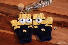 Fingerless Mittens Minions Despicable me by KnitographyByMumpitz