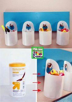 Recycling plastic containers. Un tablero con muchas ideas para reciclar plástico.