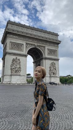 Find images and videos about kpop, rose and blackpink on We Heart It - the app to get lost in what you love. Lisa Black Pink, Black Pink Kpop, Kim Jennie, Kpop Girl Groups, Kpop Girls, Blackpink Photos, Pictures, Rose Icon, Princesses