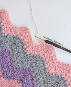 Hayırlı cumalar  #zikzakbattaniye (ip himalaya medical baby, tığ 2,5 mm) #örgü#tığişi#tigisi#elisi#elişi#knit#knitting#knitter#knittersofinstagram#crochet#crocheting#crochetlover#crochetaddict#yarn#yarnaddict#battaniye#bebekbattaniyesi#blanket#babyblanket#sipariş#siparişalınır#ceyiz#ceyizhazirligi#çeyiz#çeyizhazırlığı#ceyizönerisi#çeyizönerisi#order