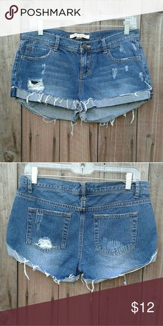 DISTRESSED JEAN SHORTS CUTE SHORTS WORN ONCE Forever 21 Shorts Jean Shorts