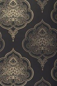 Zoom Maharani // wallpaper dining room accent wall