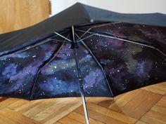 4.bp.blogspot.com -SovnLXtWoP8 UdDl8LukTnI AAAAAAAAH68 bf6ZUxXDoYs s1024 diy+make+your+own+galaxy+umbrella+how+to+paint+4.JPG