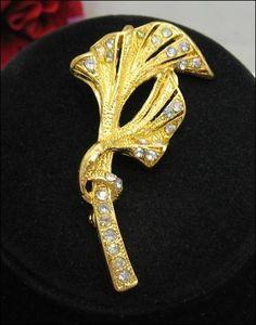 FLUTED FLOWER Rhinestone BROOCH Vintage PIN Goldtone | eBay $8.99