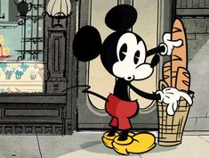 Mickey's new look - from 1928 :) http://www.updateordie.com/2013/03/16/o-novo-mickey-mouse/ SO CUTE!!!