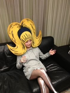 "きゃりーぱみゅぱみゅ-- that is what I call ""Big Hair"" Hallowen Costume, Halloween Kostüm, Costume Ideas, Foam Wigs, Kyary Pamyu Pamyu, Crazy Hats, Theatre Costumes, Crazy Costumes, Halloween Disfraces"