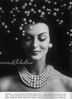 Carmen Dell' Orefice is wearing strands of faux pearls by Richelieu, Harper's Bazaar, April 1959 Carmen Dell'orefice, Vintage Costume Jewelry, Vintage Costumes, Vintage Outfits, Vintage Jewelry, Vintage Fashion, 1950s Fashion, Vintage Beauty, Francesco Scavullo