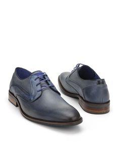Braend veterschoen  Description: Geklede blauwe veterschoenen van Braend. Deze stijlvolle herenschoenen zijn gemaakt van leer en hebben een kunststof zool.  Price: 125.99  Meer informatie