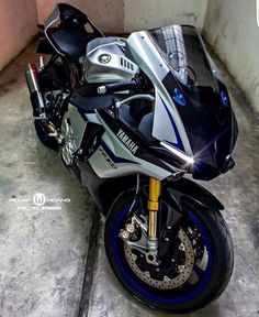 Yamaha Parking Yamaha R1