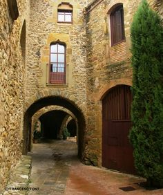 Monells.(Girona)