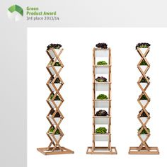 3rd place Newcomers Green Product Award 2013/14, category furniture: Urbanature has been speculating and thereby developed a new product — the Vertical Garden. Variable heights offer variable options to the customer. From 90 cm to 1.80 m you can now grow vegetables to your heart's content. Indoors and outdoors! Be it radishes, lettuce or asparagus — asparagus? When the balcony season is over, you can pack the plantation together and store it in the basement.