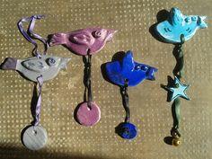 Tutti questi uccellini sono in ceramica artigianale, da appendere a parete, cad 5 euro, cercatemi per qualsiasi informazione su Fb lab Liù