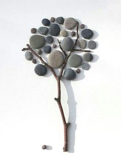 The pebbles are absolutely fabulous for creating delicate and unique wall decorations!- The pebbles are absolutely fabulous for creating delicate and unique wall decorations! Pebble Stone, Pebble Art, Stone Art, Pebble Pictures, Stone Pictures, Stone Crafts, Rock Crafts, Art Pierre, Rock And Pebbles