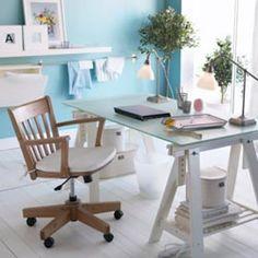La mesa más improvisada: Tablero   caballetes | Decorar tu casa es facilisimo.com