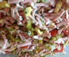 Recipe Super delicious sausage salad from - recipe in the starters / salads category salad salad salad recipes grillen rezepte zum grillen Appetizer Salads, Appetizer Recipes, Salad Recipes, Diet Recipes, Appetizers, No Gluten Diet, Finger Foods, Food And Drink, Tasty