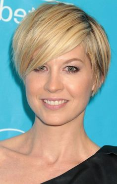 Jenna Elfman Short Cut with Side Swept Bangs