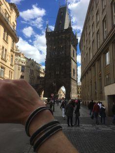 FLO23 in Praag Travel Around The World, Around The Worlds, Louvre