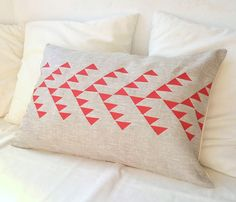 Natural linen pillow cover with geometric design in red inspired by tribal pattern. via Paleochic on Etsy. Triangle Pillow, Geometric Pillow, Cute Pillows, Linen Pillows, Cushions, Bolster Pillow, Cotton Pillow, Bed Linen, Tribal Patterns