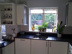 Lowered worktop for wheelchair access