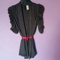 Final Price! Adorable grey top Open front, knit grey top in excellent condition. Looks very nice over tank tops and t-shirts, can be worn with a belt (does not come with one). Size petite small jasonmaxwell  Tops