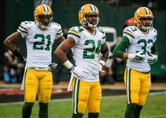 Game Photos: Packers at Raiders