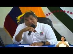 Rafael Correa # hace pedazos a Macri