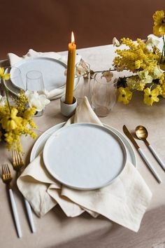Oct 2019 - Modern mauve and yellow wedding palette and bridal inspo Table Setting Inspiration, Wedding Inspiration, Decoration Birthday, Deco Table, Dinner Table, Wedding Table, Party Wedding, Tablescapes, Mauve