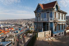 Historic quarter of the seaport city of Valparaíso by Fotopedia Editorial Team