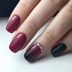 The advantage of the gel is that it allows you to enjoy your French manicure for a long time. There are four different ways to make a French manicure on gel nails. The choice depends on the experience of the nail stylist… Continue Reading → Burgundy Matte Nails, Burgundy Nail Designs, Red Stiletto Nails, Red Acrylic Nails, Red Nails, Hair And Nails, Coffin Nails, Glitter Nails, Opi Red
