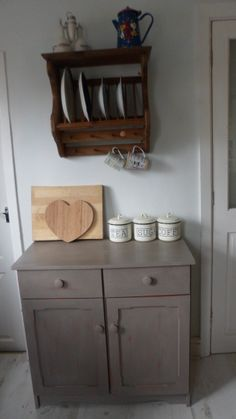 love this colour chalk paint french linen