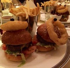 Best #burgers? #Wagyu #Sliders at #PalmCourt in the #Langham #Hotel are second to none. #Drool. #MrFD  #Foodporn #Chips #Fries #onionrings #instagram #baller #instagood #food #foodie #finedining #date #datenight #girl #friends #classic #london #cleaneating #eatclean #gtspirit by mrfinedining