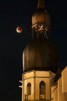 Supermoon eclipse in Trnava, Slovakia. Bratislava, Super Moon, Czech Republic, Hungary, Poland, Taj Mahal, Europe, Ceiling Lights, Explore