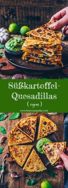 Süßkartoffel-Quesadillas mit schwarzen Bohnen, Mais, Käse und Guacamole