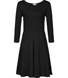 Discover our collection of beautiful dresses for women. Elegant dresses in the most on-trend styles, the obvious choice for all occasions. Beautiful Dresses For Women, Elegant Dresses, Reiss, Fit Flare Dress, Ladies Dress Design, Designer Dresses, How To Look Better, Cute Outfits, Dresses For Work