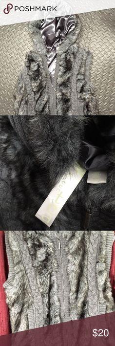Green Tea Grey Faux Fur Vest Medium, Zip Up Medium Green Tea faux fur vest Green Tea Jackets & Coats Vests