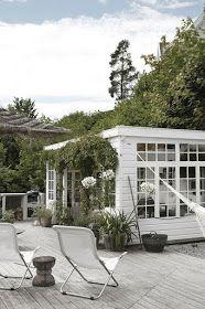 Pergola Ideas For Deck Code: 9965462772 Outdoor Rooms, Outdoor Gardens, Outdoor Living, Scandinavian Garden, Scandinavian Style, Greenhouse Farming, Wooden Greenhouses, Green House Design, Patio Interior