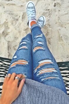 With Heels Part Cute Winter Outfits (Ripped Jeans) Slideshow: Read more: 4 Tips to Improve Overall Appearance and Fashion Trends Cute Ripped Jeans Outfit, Shorts Jeans, Cute Jeans, Ripped Skinny Jeans, Holy Jeans Outfit, Jeans Heels, Jeans And Converse, Hollister Jeans, Cute Winter Outfits