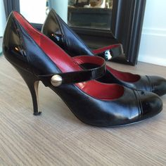 Black Mary Jane heel Paten leather tow and strap. A sexy spin on a Mary Jane trades PayPal Enzo Angiolini Shoes Heels