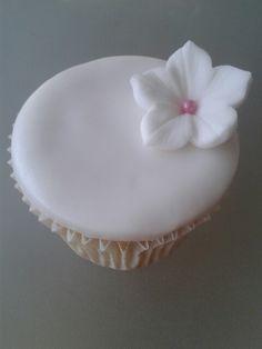 Cupcake idea Amazing Cupcakes, Fun Cupcakes, Dessert Party, Party Desserts, Cupcake Art, Cupcake Cakes, Halloween Cakes, Cup Cakes, Baking Ideas