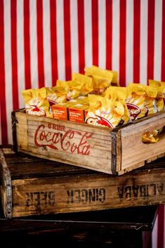 Snacks in wooden crates for candy buffet at circus party. Circus Party Foods, Circus Food, Circus Carnival Party, Circus Theme Party, Carnival Food, Carnival Birthday Parties, Carnival Themes, Circus Birthday, Circus Cakes