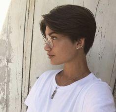 Erhabene Damenfrisuren Bob Ideas - Ich mag es I. Tomboy Hairstyles, Hairstyles Haircuts, Ladies Hairstyles, Pretty Hairstyles, Girl Short Hair, Short Hair Cuts, Pixie Cuts, Short Pixie, Shot Hair Styles