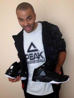Tony Parker Peak Shoes - http://www.frenchkicks.fr/tony-parker-et-ses-nouvelles-peak-shoes/