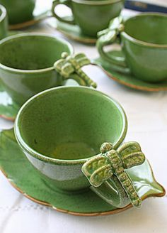 Dragonfly coffee mugs tea cups leaf saucers Coffee Cups, Tea Cups, My Cup Of Tea, China Patterns, Tea Cup Saucer, Shades Of Green, Ceramic Pottery, Tea Time, Tea Party