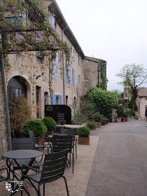 アルデッシュ川沿いのVoguë  Escapade/ les plus beaux villages de France/ Drôme nord et Ardèche   ″フランスの最も美しい村″ という評価があります。 片田舎 に隠れた美しい村を保存し、人々に知ってもら...