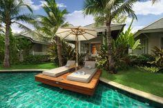 Luxe loungesets bij zwembad tisuu outdoor design exteta th