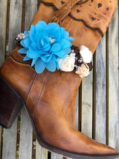 WILDFLOWER BOOT GARTER Blue Turquoise Brown Cream Silk Flowers Pearls Rhinestones Crystal Silver Feather Boot White Lace Boot Garter Cowgirl Style Outfits, Cowgirl Fashion, Autumn Fashion Women Fall Outfits, Winter Fashion, White Lace Boots, Old Boots, Wedding Boots, Gypsy Clothing, Fashion Ideas